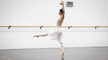 Queensland Ballet Dancers Return to Studio