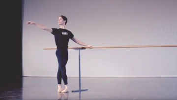 Safe Dance Practice: How Queensland Ballet Dancers Warm-up their Bodies